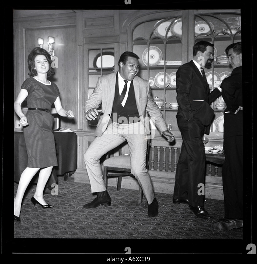 Chubby Checker doing the Twist. Photo by Harry Hammond, 1960s. - Stock-Bilder