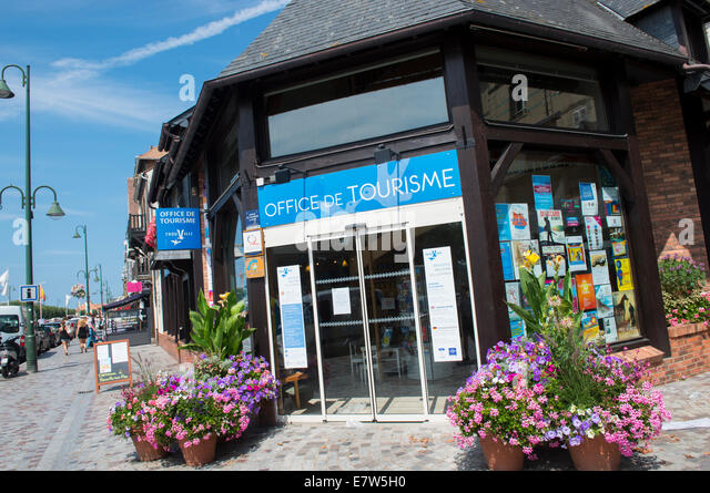 De morny stock photos de morny stock images alamy - Office de tourisme deauville trouville ...