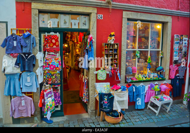 Shop selling childrens clothing and souvenirs, Schnoorviertel, Schnoor district, Altstadt, old town, Bremen, Germany - Stock Image