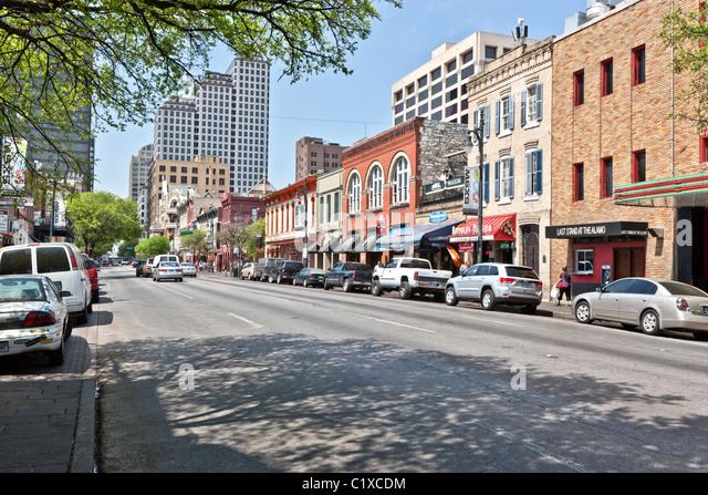 6th Street, Entertainment District, Austin - Stock Image