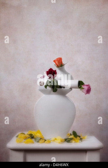 three flower vase stacked with roses - Stock-Bilder