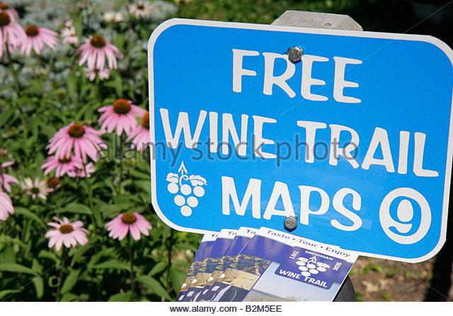 Michigan Buchanan Tabor Hill Winery and Restaurant Lake Michigan Shore Wine Trail sign information tour grapes wine - Stock Image