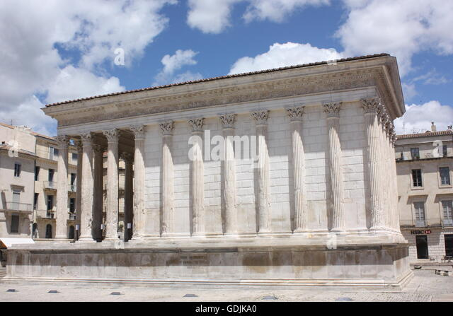 Nimes france stock photos nimes france stock images alamy - Maison carree nimes ...