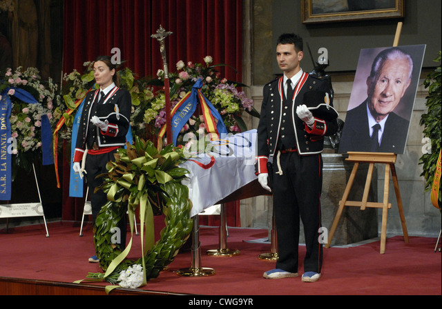 ardent chapel for Juan Antonio Samaranch IOC president between 1980 and 2001 civil tribute at the Palau de la Generalitat. - Stock Image