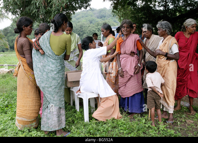 India: Health service of Roman Catholic sisters in a village in Tamil Nadu State - Stock-Bilder