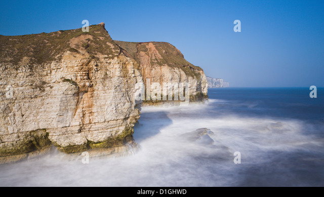Pounding waves as the tide turns at Flamborough cliffs, East Yorkshire, Yorkshire, England, United Kingdom, Europe - Stock Image