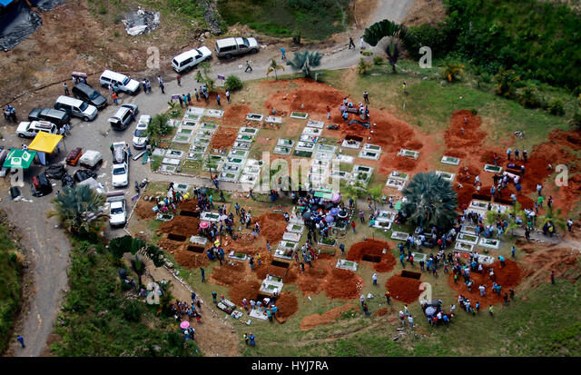 Mocoa, Colombia. 4th Apr, 2017. An aerial view of Mocoa's cemetery after last 01 April's landslide which - Stock-Bilder