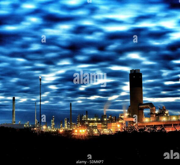 Industrial Lights Oil Refinery Stock Photos & Industrial