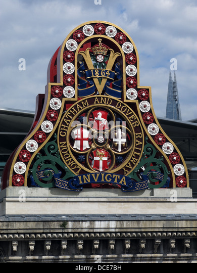 London Chatham and Dover railway Invicta bridge support at Blackfriars London, England with The Shard in the background. - Stock Image