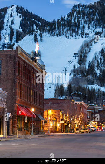 Downtown and Aspen Mountain, Aspen, Colorado USA - Stock Image