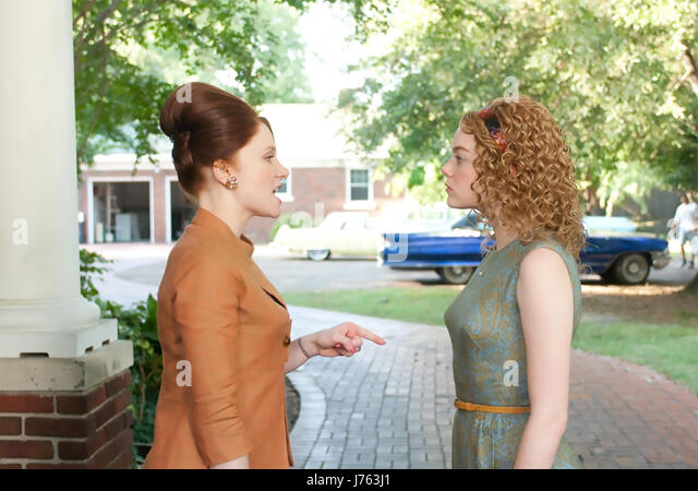 THE HELP 2011 Dreamworks film with Bryce Dallas Howard at left and Emma Stone - Stock-Bilder