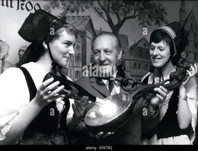 Jul. 07, 1965 - The ''Spoon-Drink''... is a historical attraction which is only in Seligenstadt - Stock Image