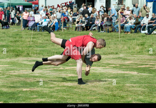 Appleby Show, Cumbria, UK. 10th Aug, 2017. Cumberland wrestling at the annual Appleby Show, Cumbria, UK, 10th August - Stock Image