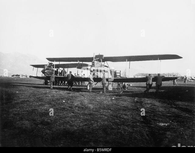 9 1917 11 13 A1 E German air force in Aviano 1917 First World War 1914 1918 German and Austrian relief attacks in - Stock-Bilder