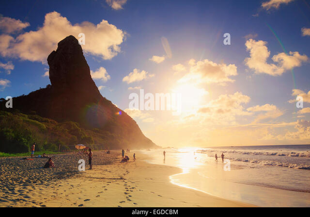 Brazil, Fernando de Noronha, Conceicao beach with Morro Pico mountain in the background - Stock Image