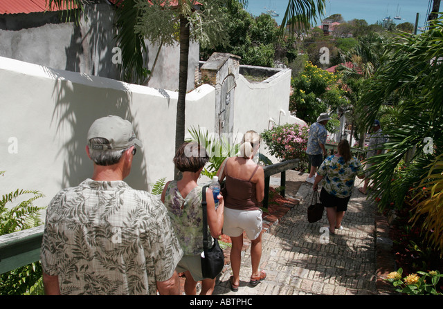 St. Thomas USVI Charlotte Amalie Blackbeard's Hill 99 Steps tour group - Stock Image