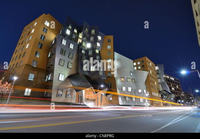 Ray and Maria Stata Center on the campus of MIT built by award winning architecture Frank Gehry. - Stock Image