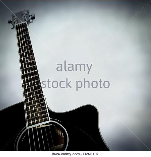 how to play rhythm guitar