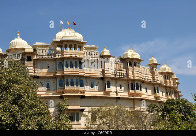 rajput architecture the mewar havelis Named after the famous rajput warrior, maharana pratap, the maharana pratap memorial is perched on the top of pearl hill in udaipur it was built in the 18th century, by the then ruler of mewar, maharana bhagwat singh.