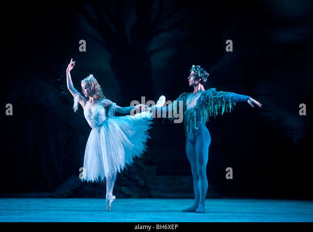 a comparison between theseus and oberon in a midsummer nights dream by william shakespeare 'a midsummer night's dream' is a romantic comedy and one of shakespeare's most popular plays or stories the main characters of this story are oberon, titania.
