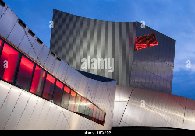 The Imperial War Museum (North) at night, Salford Quays, Manchester, England - Stock Image