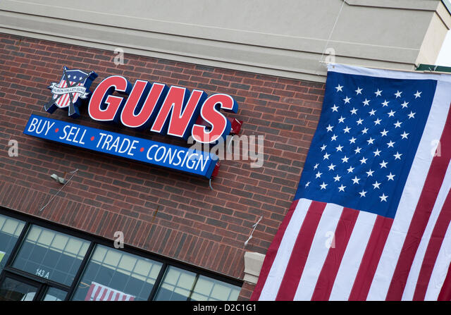 Milford, Michigan - The Huron Valley Guns store on Gun Appreciation Day. Pro-gun groups gathered at gun stores across - Stock Image