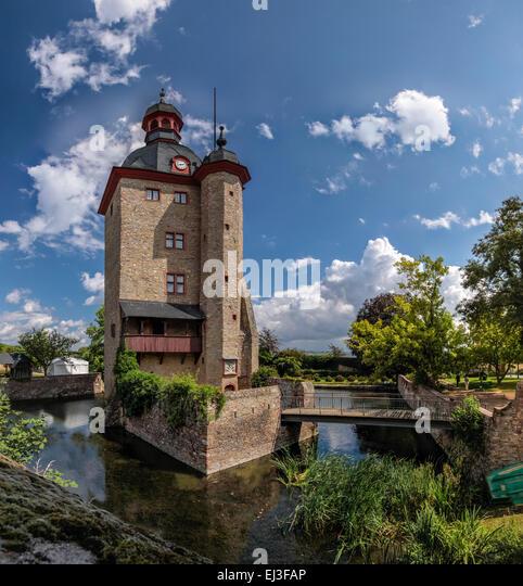 Residential tower of the Palace of Vollrads in Winkel, Rheingau, Hesse, Germany - Stock Image
