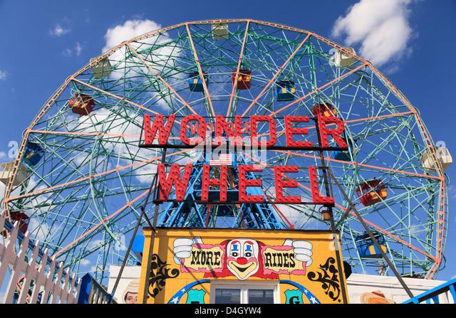 Denos Wonder Wheel, Amusement Park, Coney Island, Brooklyn, New York City, USA - Stock Image