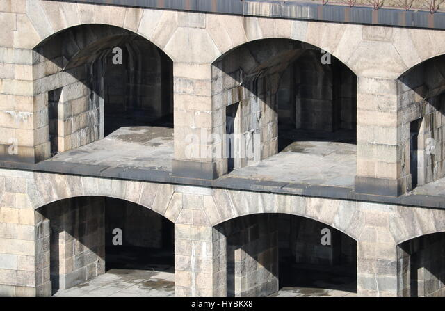 A view of the inner eastern wall of Fort Wadsworth with a closer look at the gunnery rooms - Stock Image