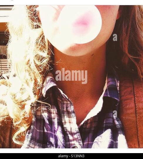 Bubble gum girl - Stock-Bilder