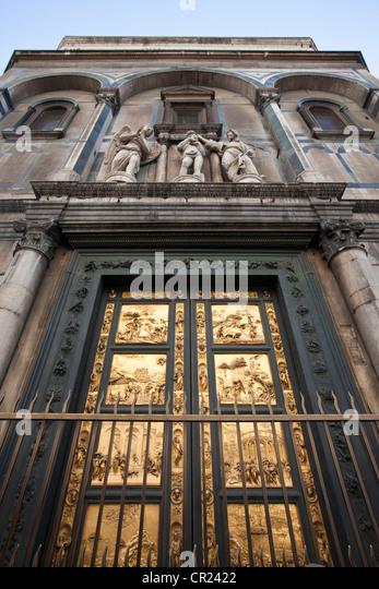 Porta del Paradiso of Duomo cathedral - Stock Image