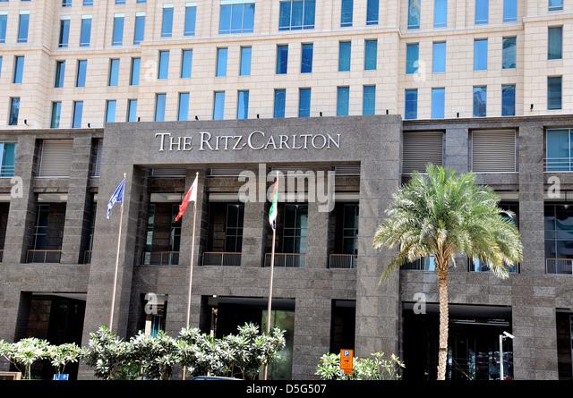 Five star hotel dubai stock photos five star hotel dubai for Dubai 5 star hotels rates