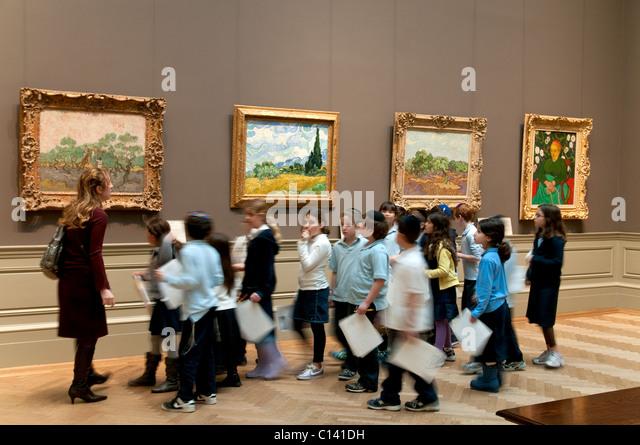Metropolitan Museum of Art, New York City, Elementary school children during a school trip - Stock Image