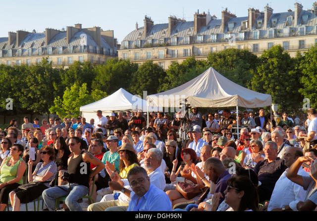Paris France Europe French 8th arrondissement Tuileries Garden Jardin des Tuileries park free music concert audience - Stock Image
