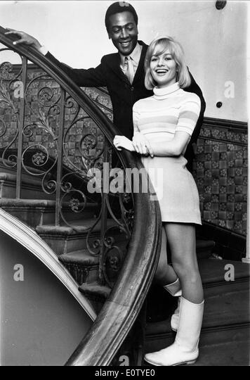 Actors Judy Geeson and Sidney Poitier - Stock Image