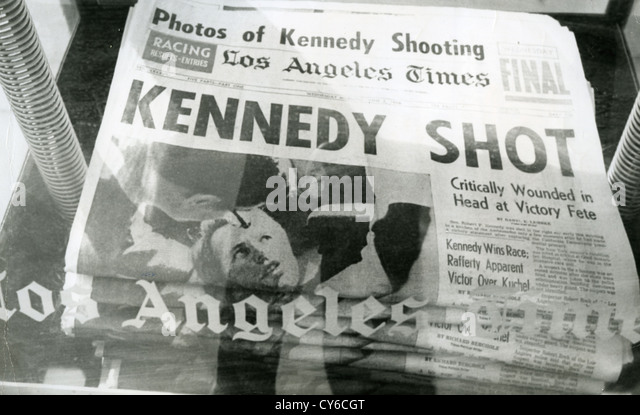 ROBERT F. KENNEDY (1925-1968)  Front page of the Los Angeles Times detailing his murder on 5 June 1968 - Stock-Bilder