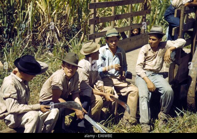 Sugar cane workers resting, Rio Piedras, Puerto Rico. 1941. - Stock-Bilder
