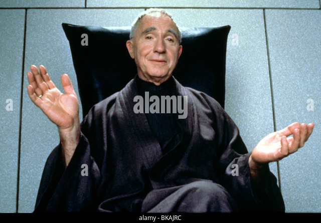 DEMOLITION MAN (1993) NIGEL HAWTHORNE DMM 058 - Stock Image