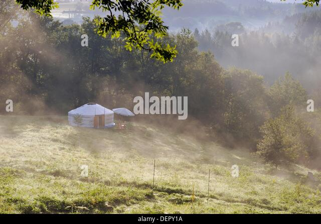 yurt, Parc du Silence, a unique location for training and retreat, Livradois-Forez Regional Nature Park, Puy-de - Stock Image