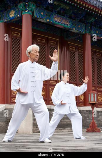 Senior Couple Practicing Tai Chi, Temple of Heaven - Stock Image