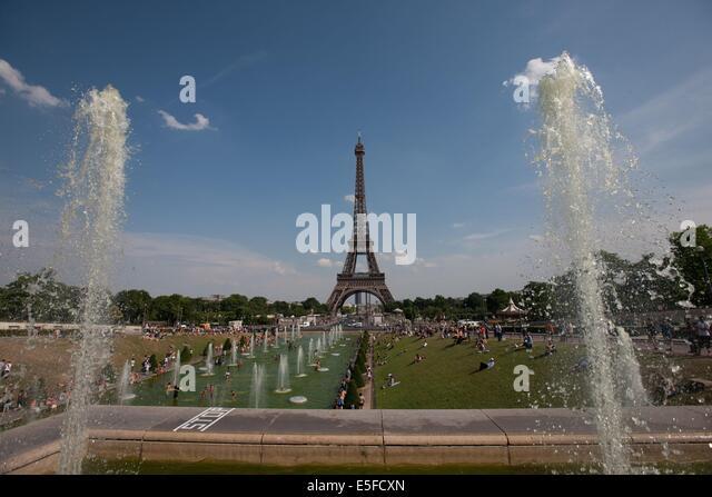 Paris 16e stock photos paris 16e stock images alamy for Aquarium de paris jardin du trocadero