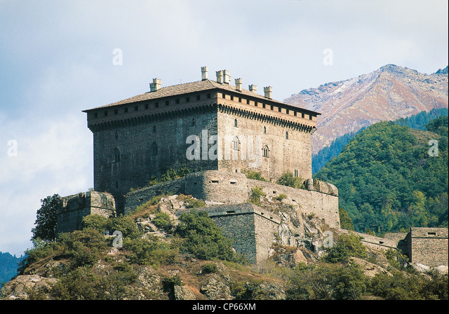 Valle d'Aosta - Castello di Verres, XIII century. - Stock Image