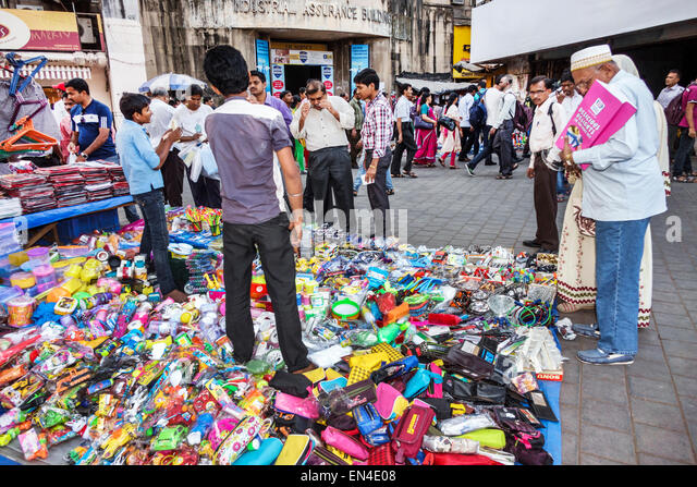 India Asian Mumbai Churchgate Jamshedji Tata Road sidewalk vendor accessories - Stock Image