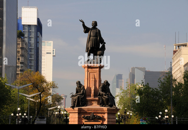 Statue of Christopher Columbus, Paseo de la Reforma, Mexico City - Stock Image