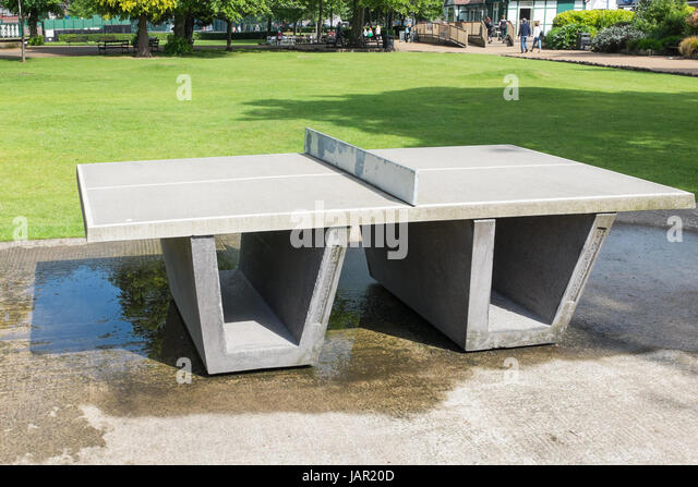 Public table tennis table in Hall Leys Park in Matlock, Derbyshire - Stock Image