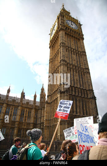 Whitehall, London, UK. 6th April, 2016. Bursary or Bust Die In! Nursing, midwifery and healthcare nurse support - Stock Image