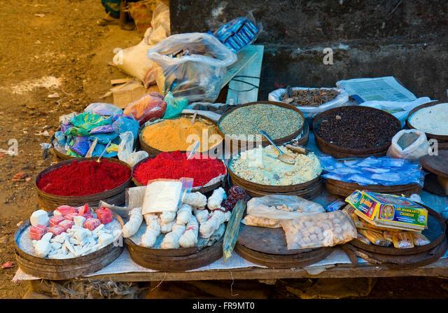 Asien, Indien, Karnataka, Madikeri, Utensilien fuer eine Puja Zeremonie - Stock-Bilder