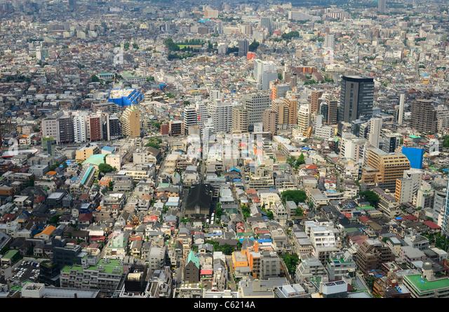 View of urban sprawl in Tokyo, Japan. - Stock Image