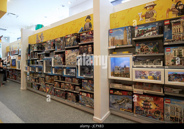 Toys Shop Lego Stock Photos & Toys Shop Lego Stock Images - Alamy