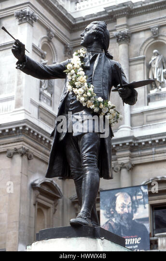 Statue of Sir Joshua Reynolds English painter of portraits - Stock Image